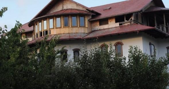 Casa unde are loc petrecerea